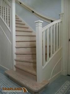 Nieuwe eiken trap